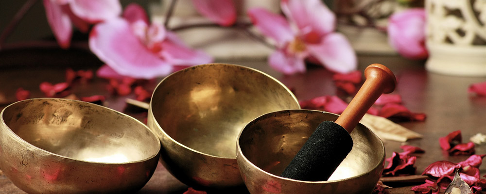 Wellness Behandlung mit exotischen Düften und Ölen